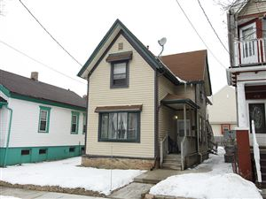 Photo of 606 W Garfield Ave, Milwaukee, WI 53212 (MLS # 1629501)