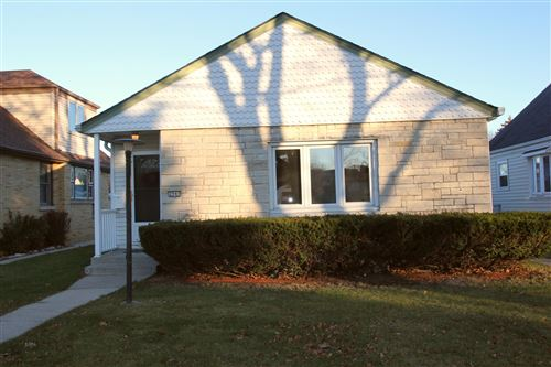 Photo of 2940 S 39th St, Milwaukee, WI 53215 (MLS # 1720501)