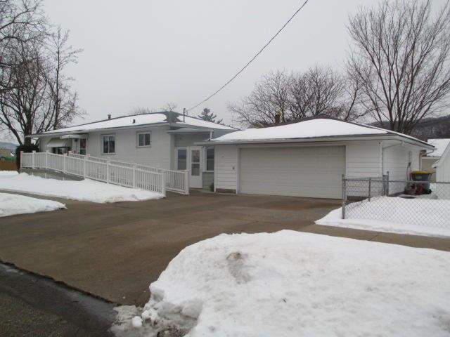 36 Oak St S, La Crescent, MN 55947 - MLS#: 1726503
