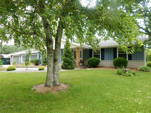 Photo of 963 Lakefield RD, Grafton, WI 53024 (MLS # 1698504)