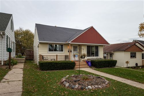 Photo of 2862 N 88th St, Milwaukee, WI 53222 (MLS # 1716506)