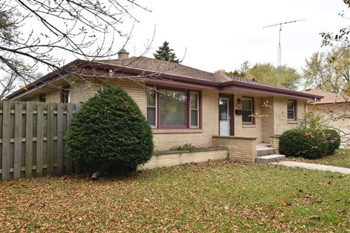 Photo of 2418 Illinois, Racine, WI 53405 (MLS # 1716509)