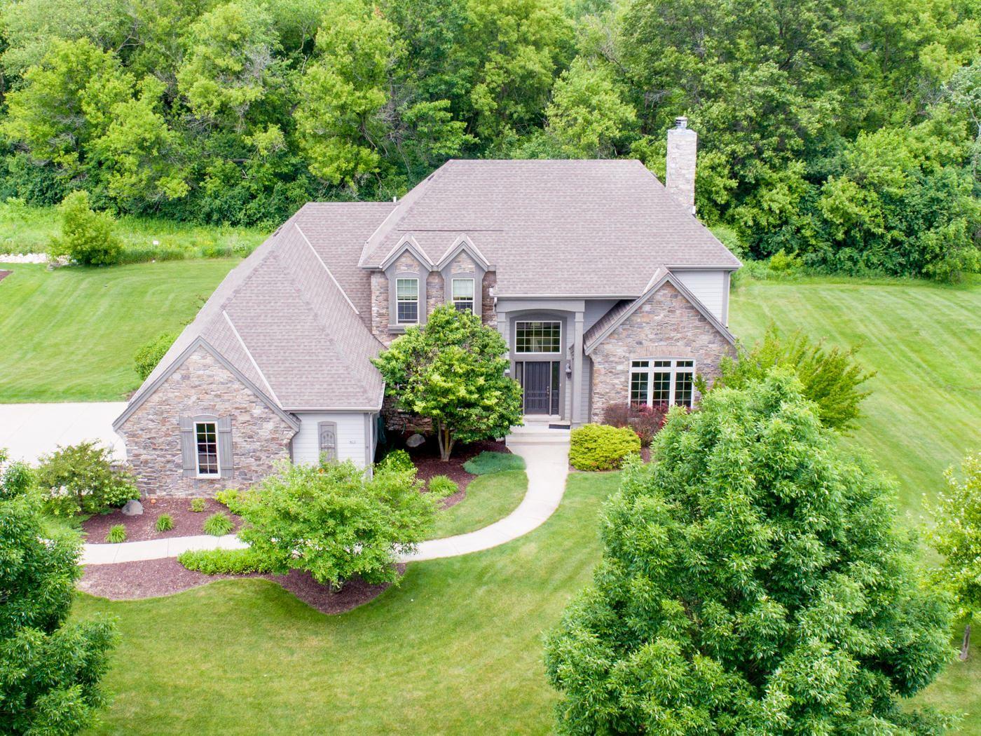 422 River Grove Ln, Hartland, WI 53029 - #: 1645513