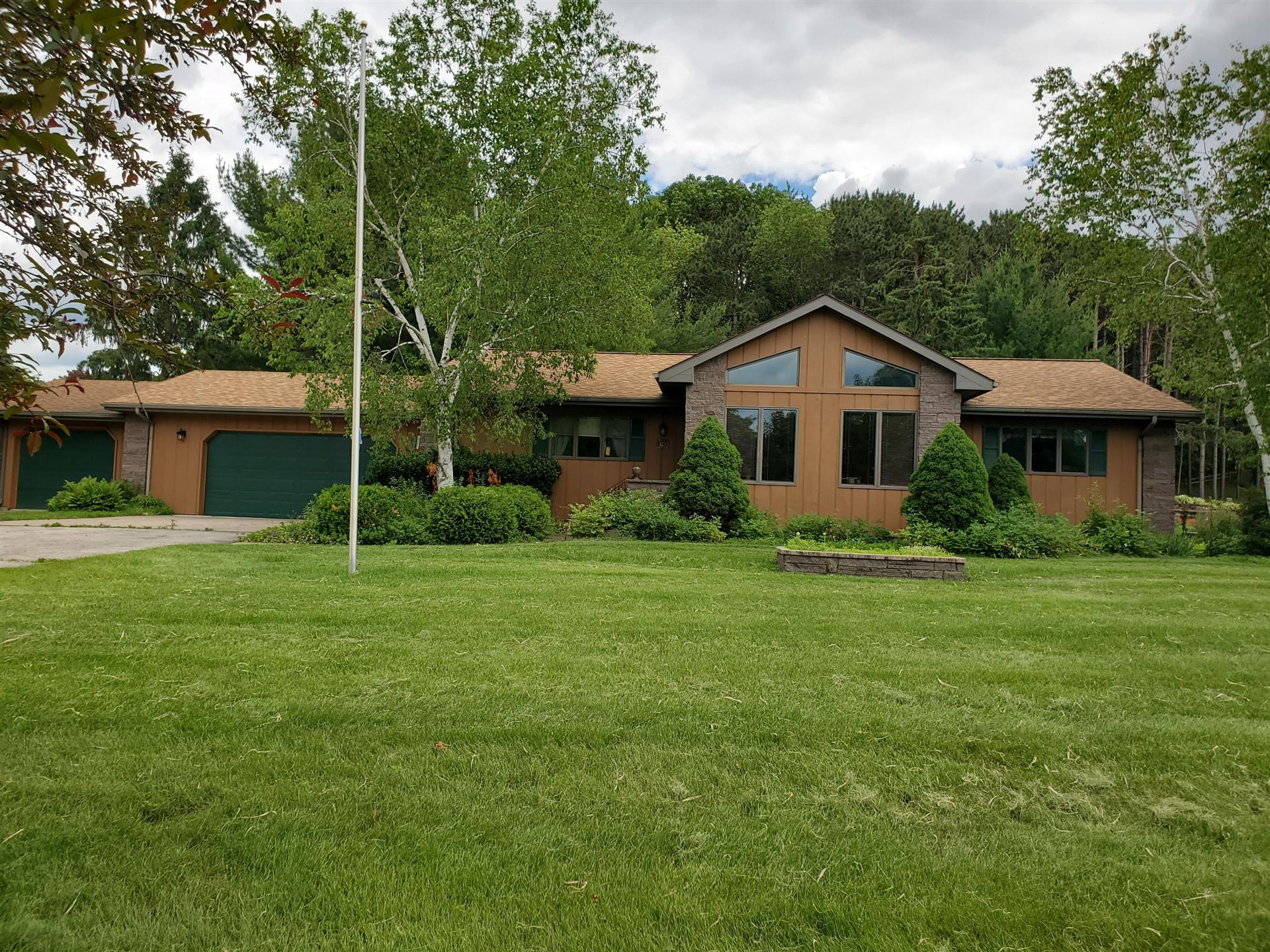 1719 S Highland DR, Sparta, WI 54656 - MLS#: 1695513