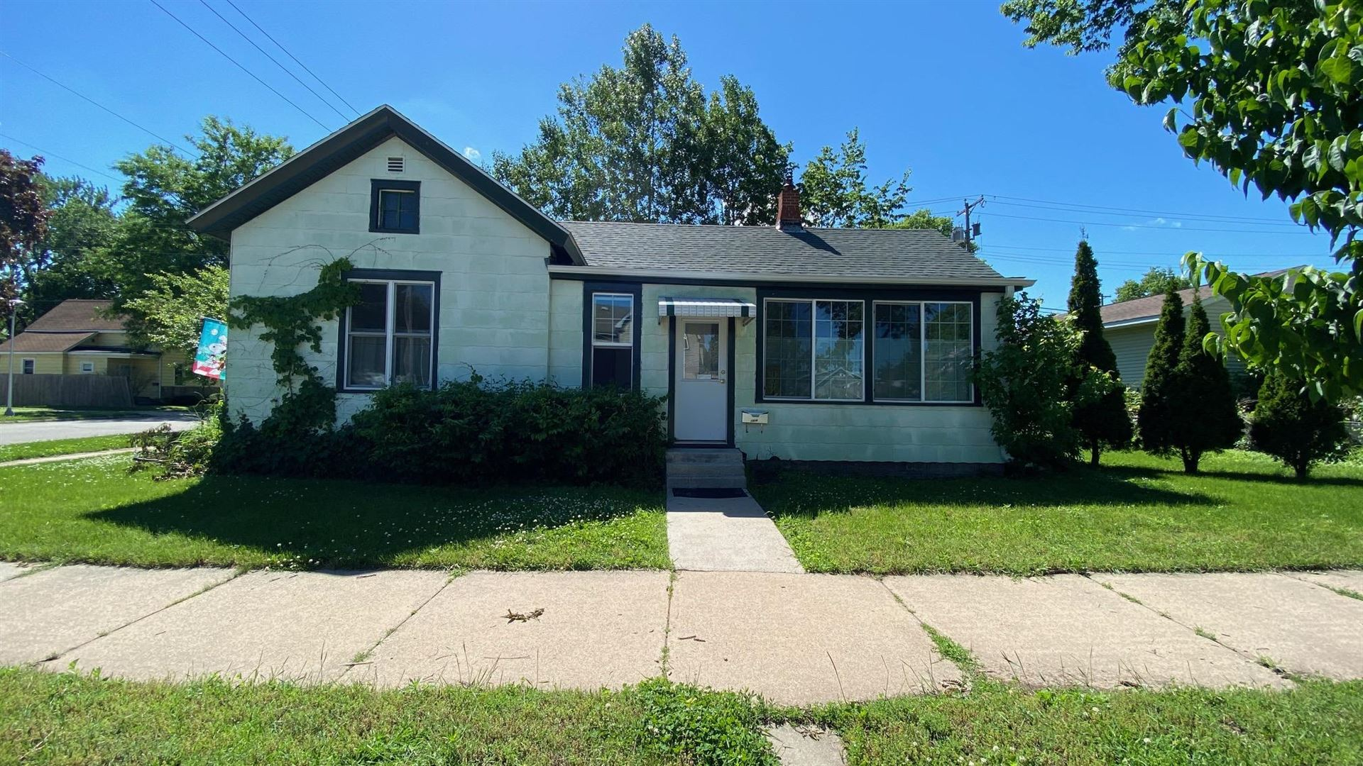 1314 9th St S, La Crosse, WI 54601 - MLS#: 1692519