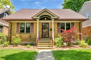 Photo of 4620 N Ironwood Ln, Glendale, WI 53209 (MLS # 1642524)