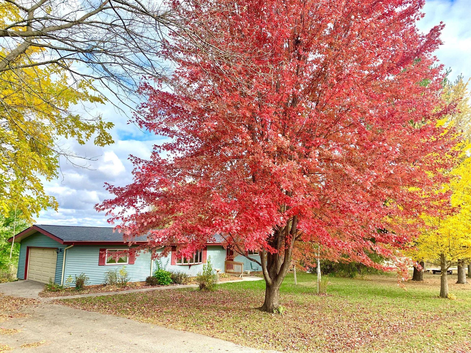 N7145 River Park Dr, Farmington, WI 53094 - #: 1713524
