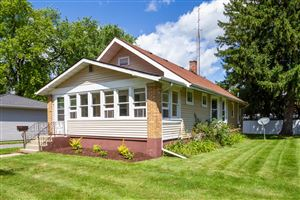 Photo of 733 Walker St, Lake Geneva, WI 53147 (MLS # 1655527)
