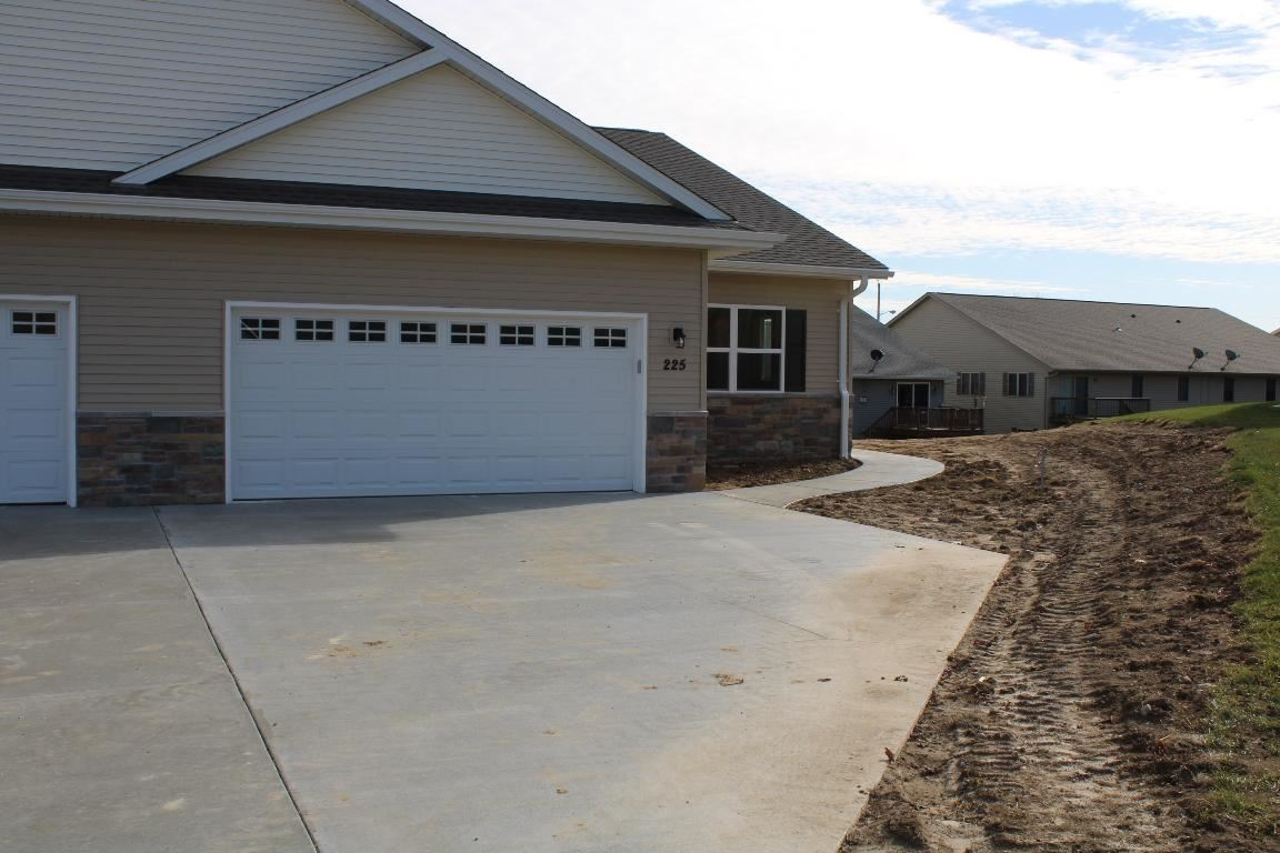 225 Four Seasons Ln #18, Kewaskum, WI 53040 - #: 1695530