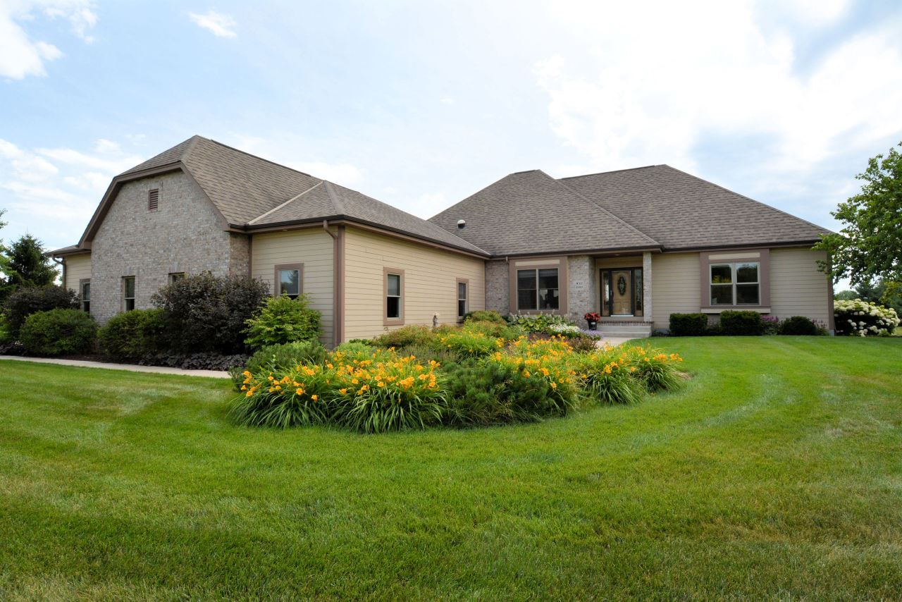 W315S3143 Harvest View Dr, Genesee, WI 53189 - #: 1691531