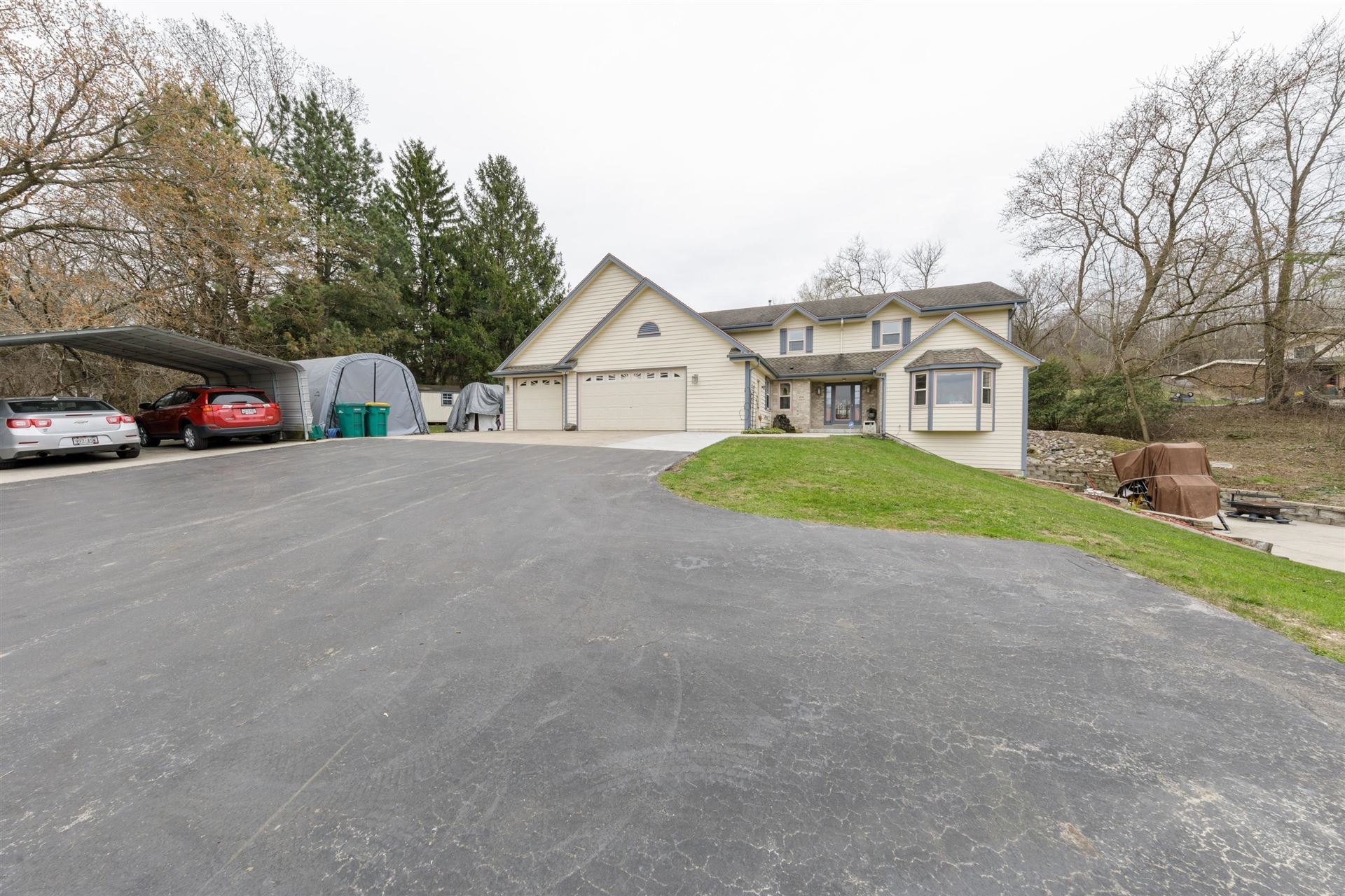 W206N10525 Appleton Ave, Germantown, WI 53022 - #: 1686533