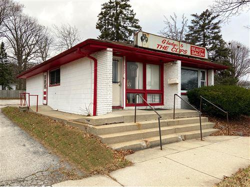 Photo of 6937 W Fond Du Lac Ave, Milwaukee, WI 53218 (MLS # 1720535)