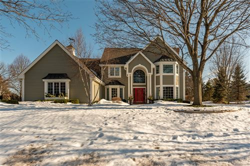 Photo of 3725 W Grace Ave, Mequon, WI 53092 (MLS # 1729537)