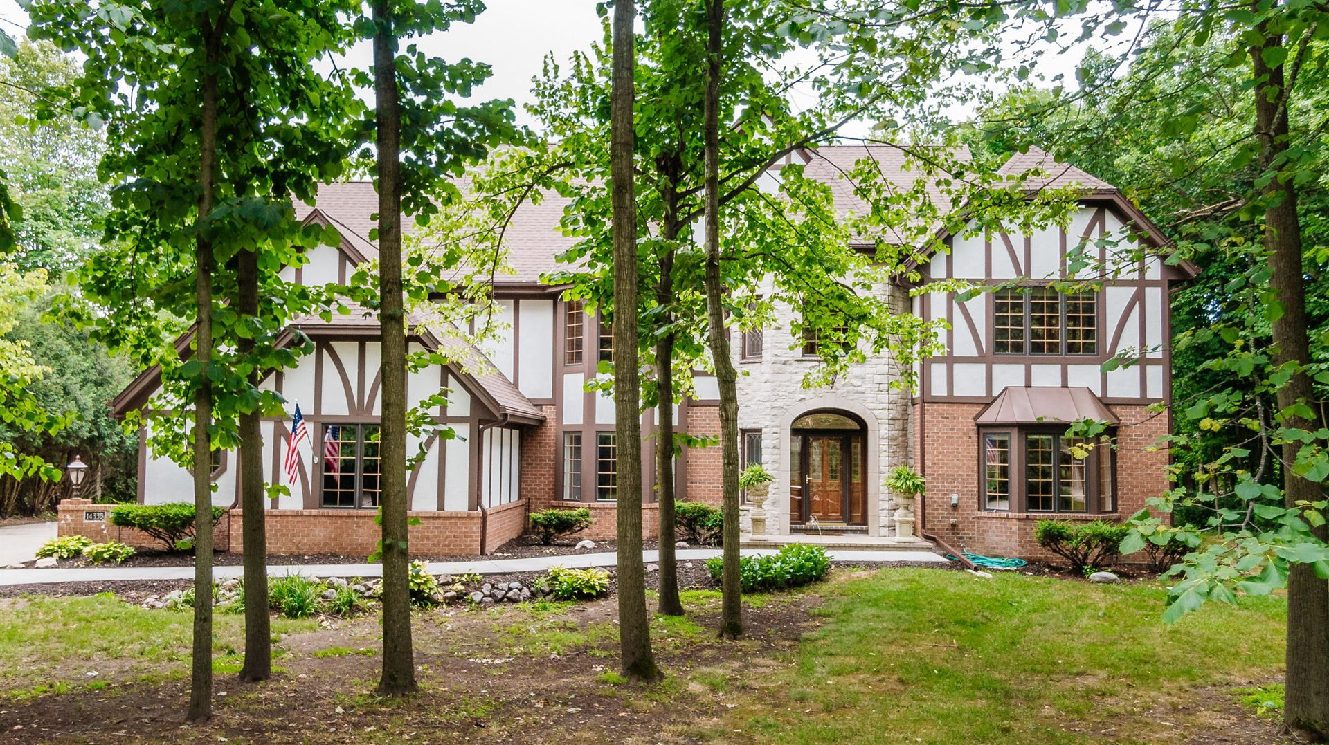 14335 Woodmount Dr, Brookfield, WI 53005 - #: 1700537