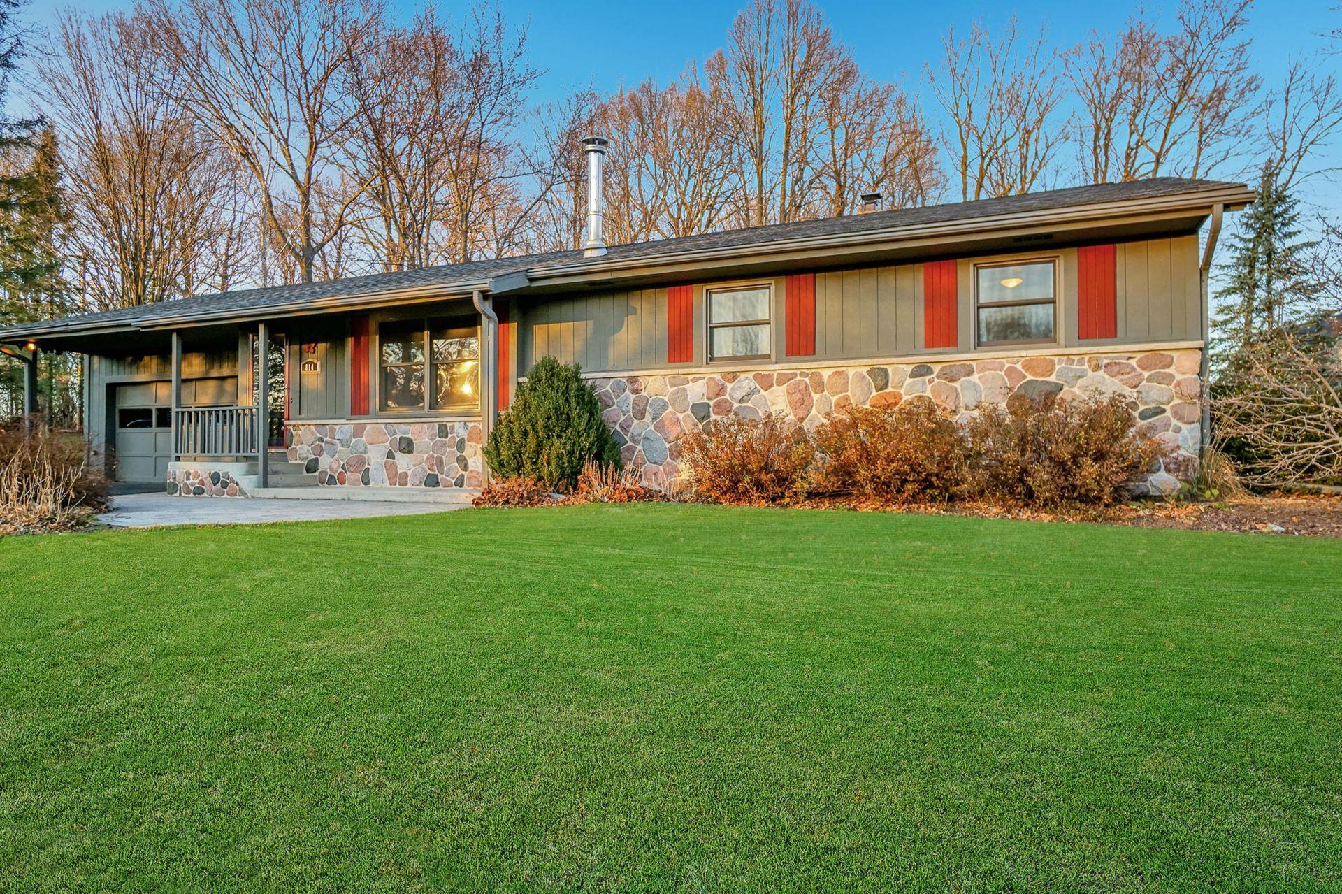 814 Park Manor Ct, Jackson, WI 53012 - #: 1719537