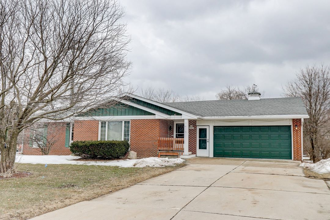 S67W14577 Janesville Rd, Muskego, WI 53150 - #: 1679547