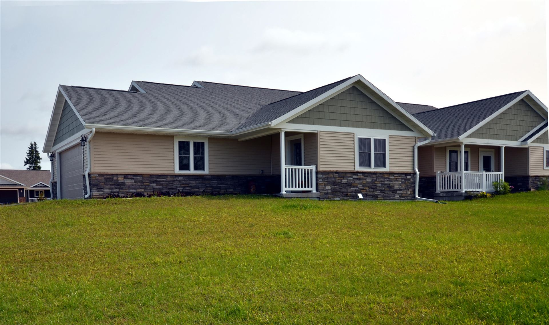 311 16th Fairway Cir, Viroqua, WI 54665 - MLS#: 1681559
