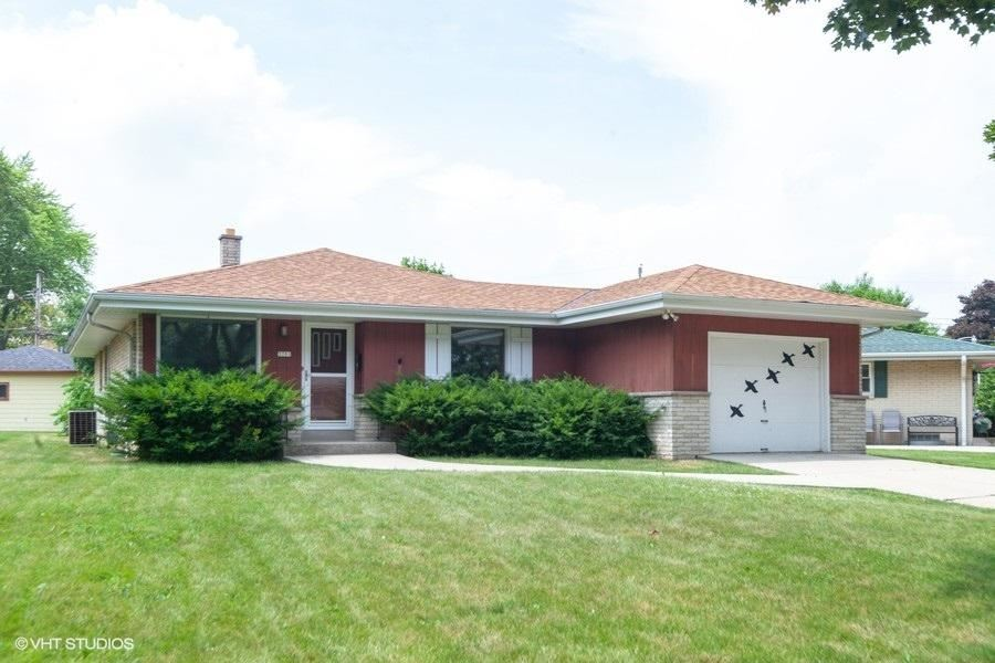 3701 S 67th St, Milwaukee, WI 53220 - #: 1698560