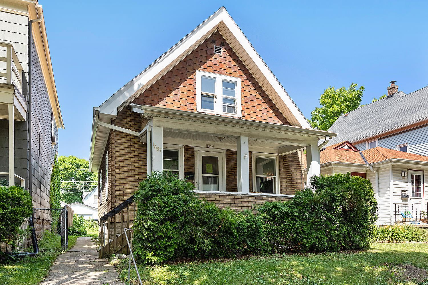 1637 S 63rd St, West Allis, WI 53214 - #: 1696561