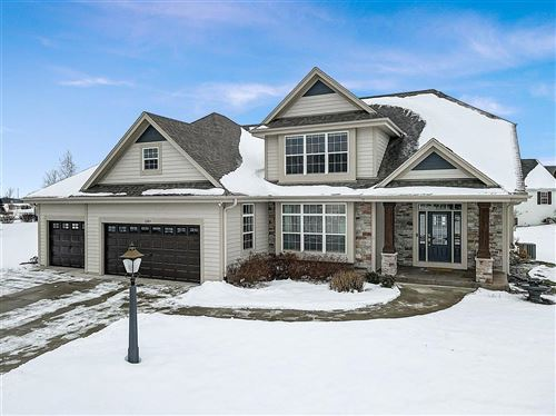 Photo of 1289 Winterberry Rd, Oconomowoc, WI 53066 (MLS # 1724568)