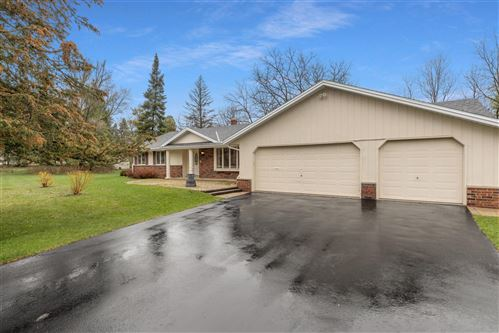 Photo of 2337 Hillside Dr, Delafield, WI 53018 (MLS # 1734578)