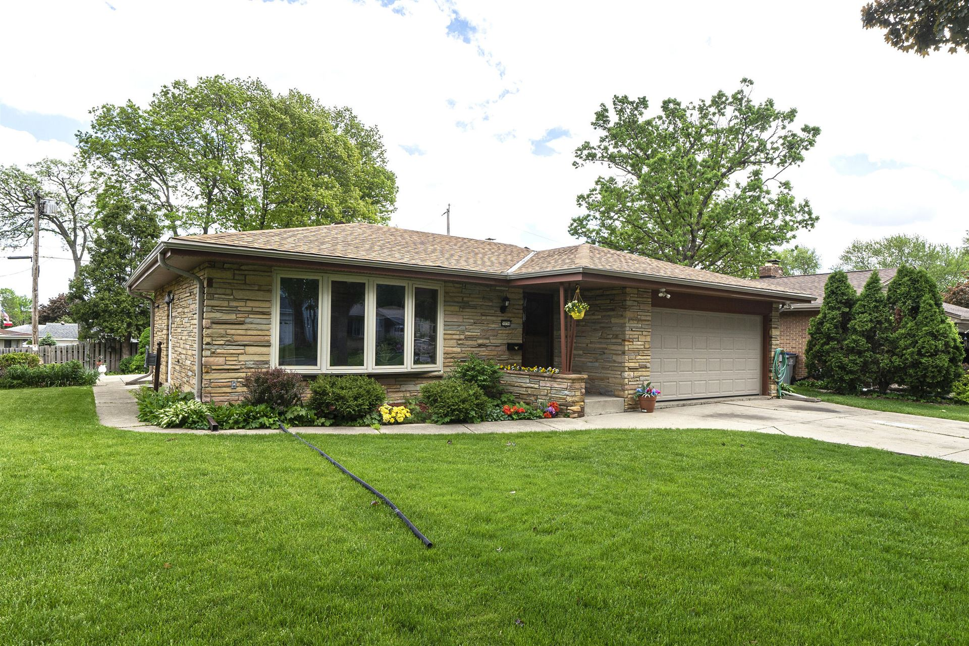 5056 S 19th St, Milwaukee, WI 53221 - #: 1691584