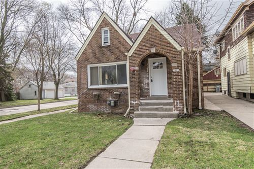 Photo of 3901 W Sheridan Ave, Milwaukee, WI 53209 (MLS # 1734586)