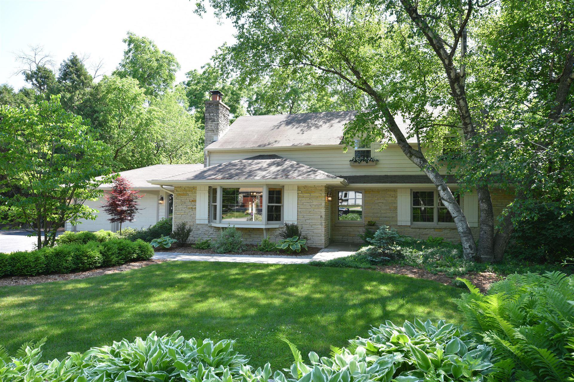 1040 Lower Ridgeway, Elm Grove, WI 53122 - #: 1694589