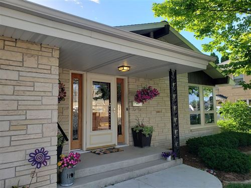 Photo of 1813 Madison St, New Holstein, WI 53061 (MLS # 1746608)