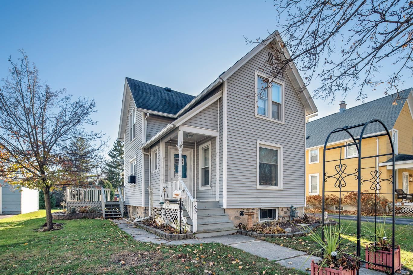 25 Edna St, Plymouth, WI 53073 - #: 1717608