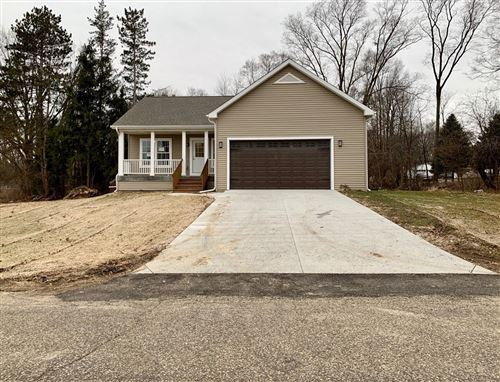 Photo of N6557 Daffodil RD, Sugar Creek, WI 53121 (MLS # 1670610)