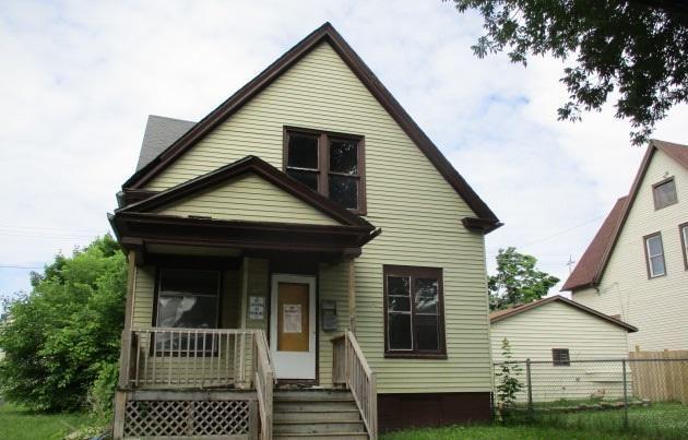 2761 N 18th St, Milwaukee, WI 53206 - #: 1695611