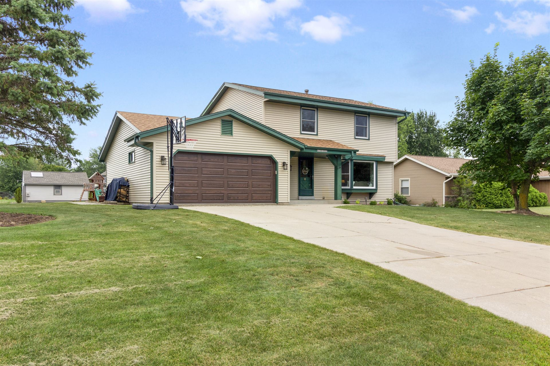 W210S10320 Janis Ln, Muskego, WI 53150 - #: 1703612