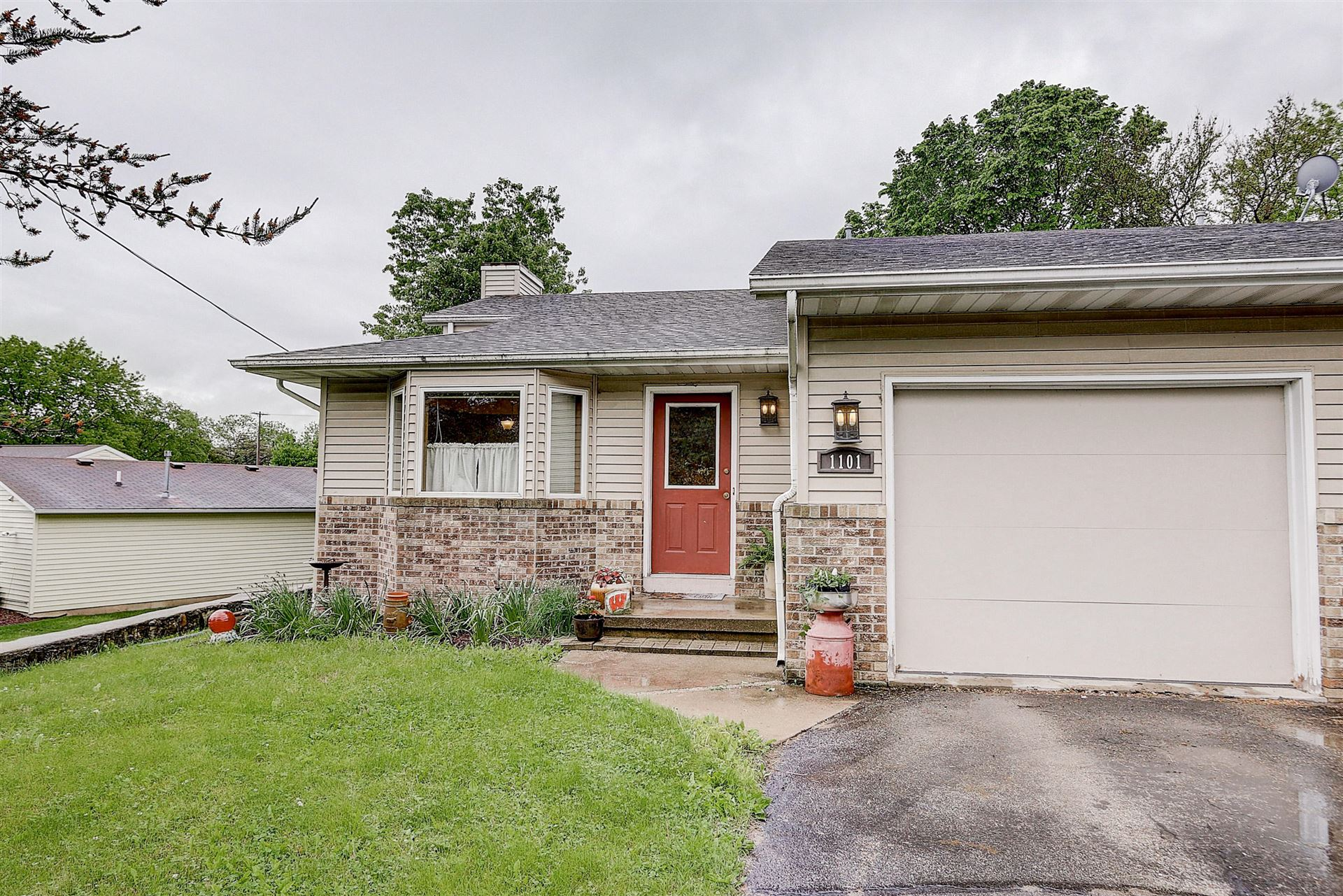 1101 Caswell St #B, Fort Atkinson, WI 53538 - #: 1691636
