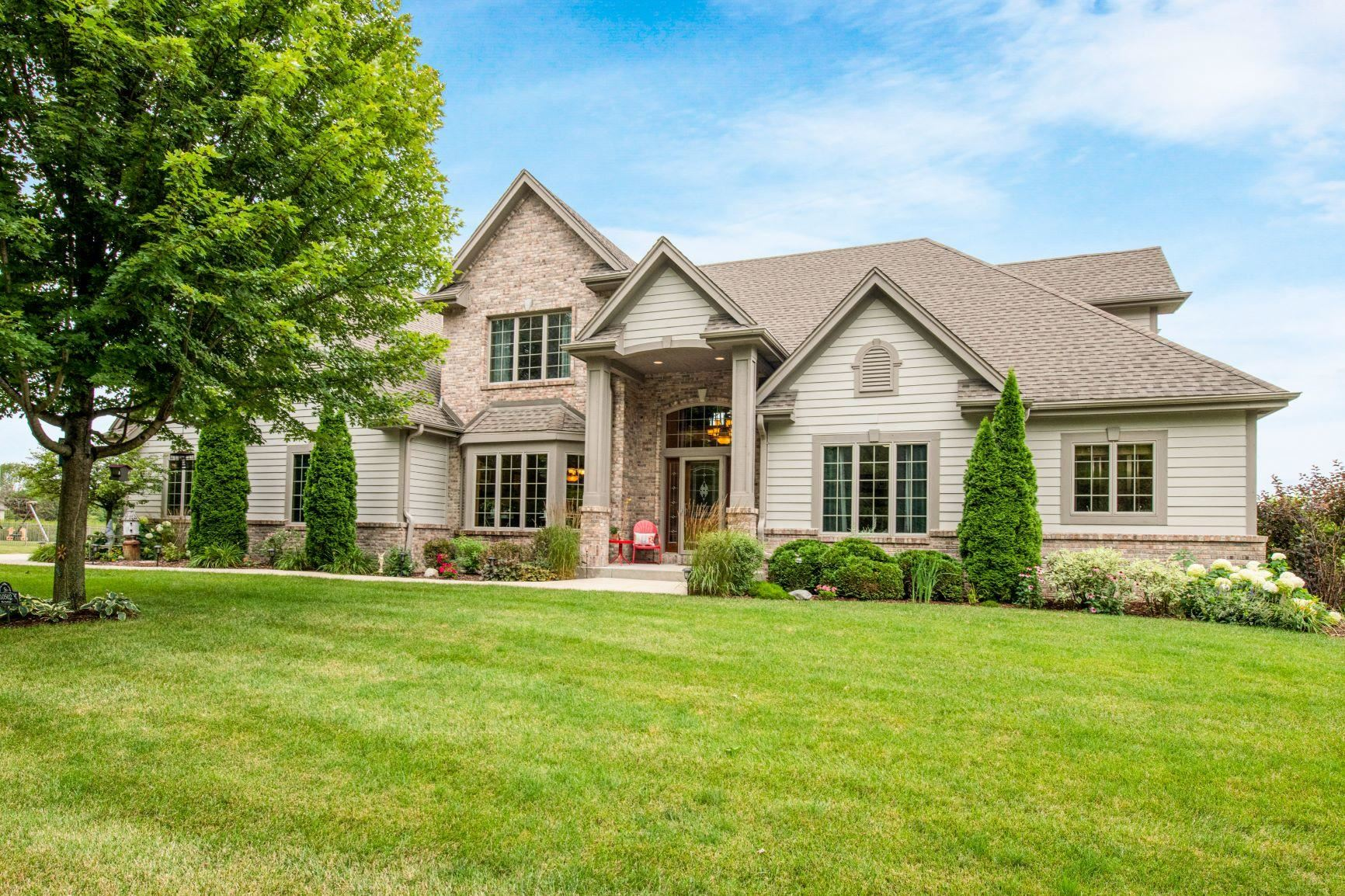 10502 N Stone Creek Dr, Mequon, WI 53092 - #: 1702636