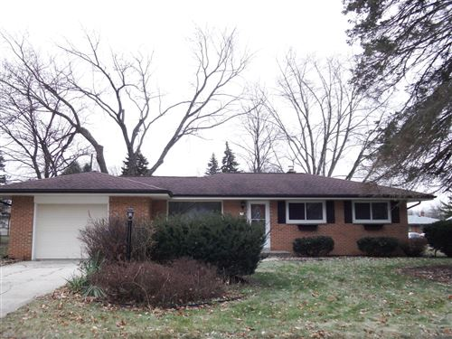 Photo of 7425 Endicott Ave, Greendale, WI 53129 (MLS # 1670641)