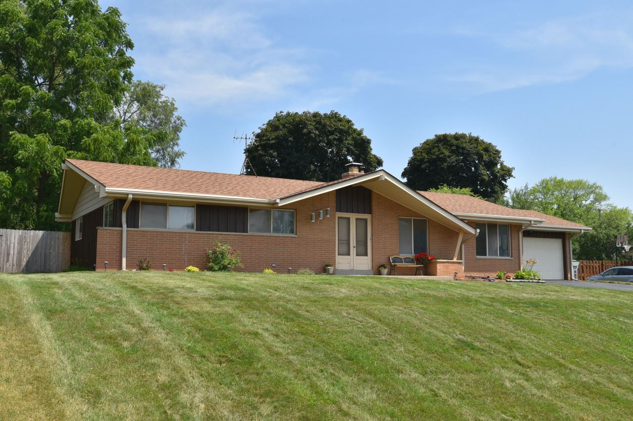 9700 W Marcelle Ave, Milwaukee, WI 53224 - #: 1697643