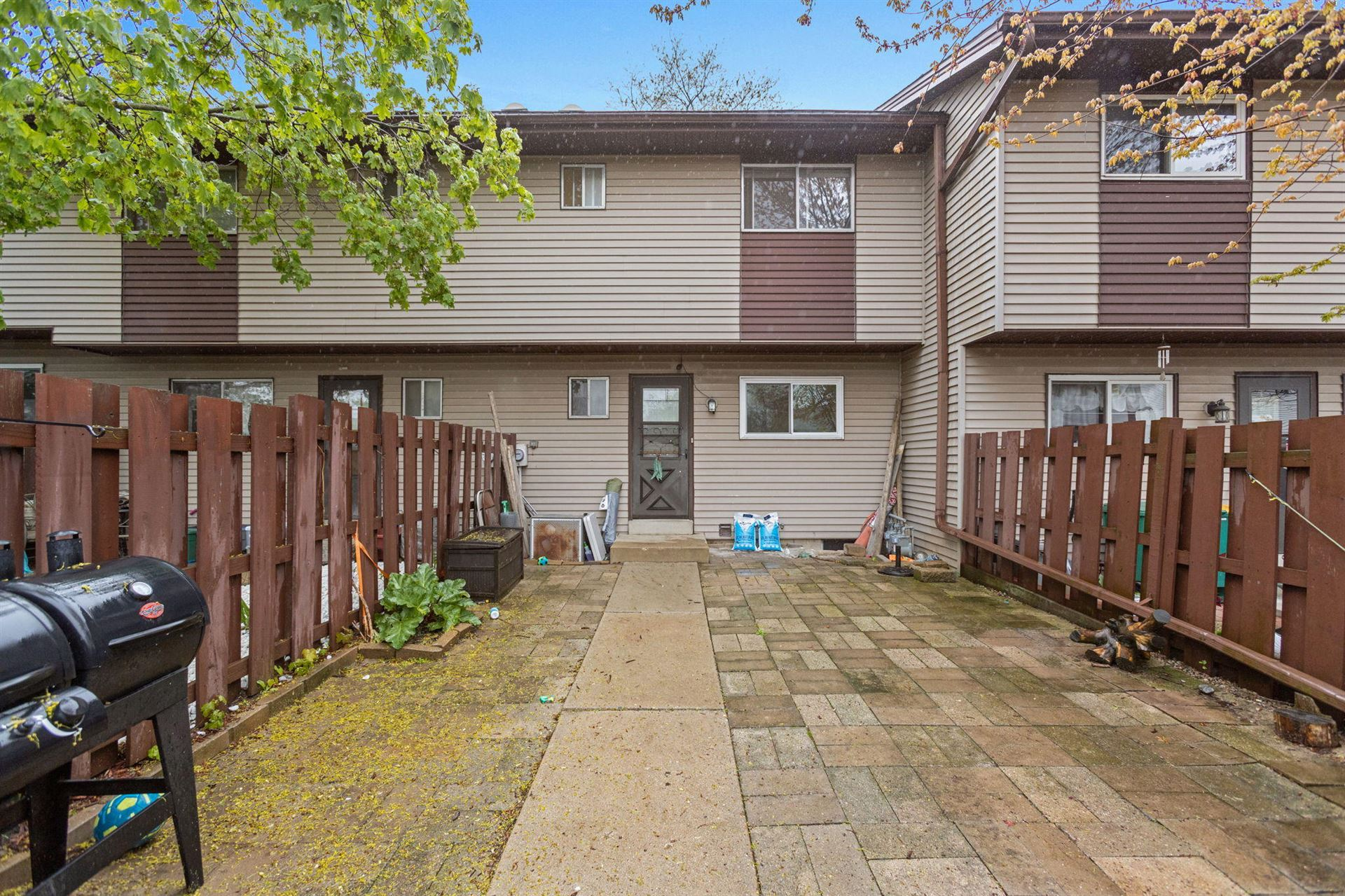 W166N11548 Westminster Ct, Germantown, WI 53022 - #: 1689657