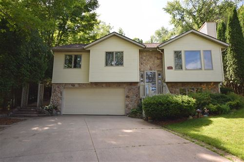 Photo of 518 Oak Ter, Slinger, WI 53086 (MLS # 1698665)