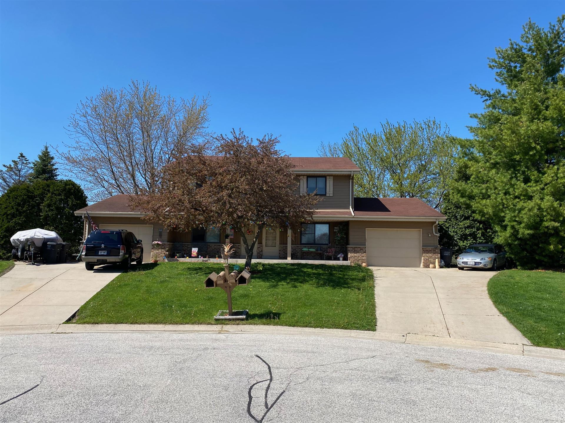 W245N6688 Bowling Green Ct, Sussex, WI 53089 - #: 1691672