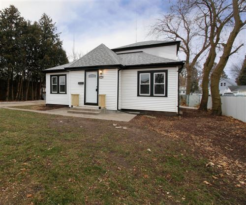 Photo of 1631 W Custer Ave, Milwaukee, WI 53209 (MLS # 1670673)