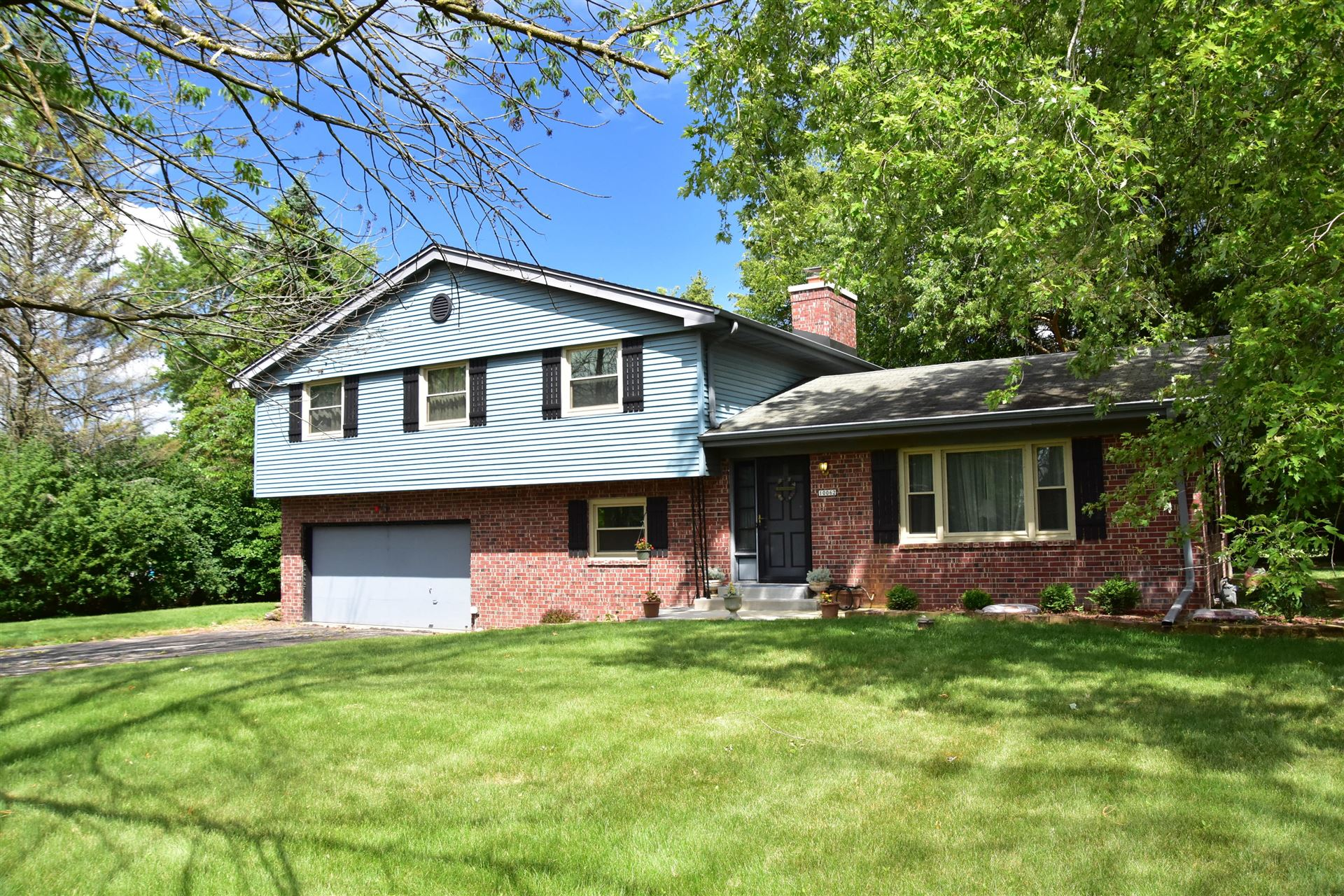 10062 N Sunnycrest Cr, Mequon, WI 53092 - #: 1701675