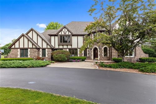 Photo of 10206 N Kenilworth Dr, Mequon, WI 53092 (MLS # 1746678)