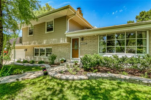 Photo of 1060 W Acacia Rd, Glendale, WI 53217 (MLS # 1701688)
