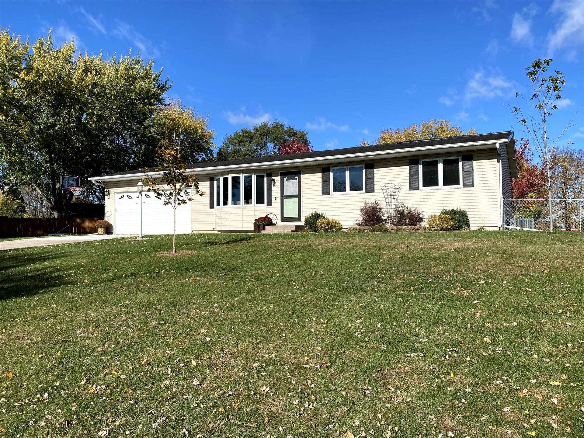 W6746 Strawberry Rd, Onalaska, WI 54650 - MLS#: 1715688