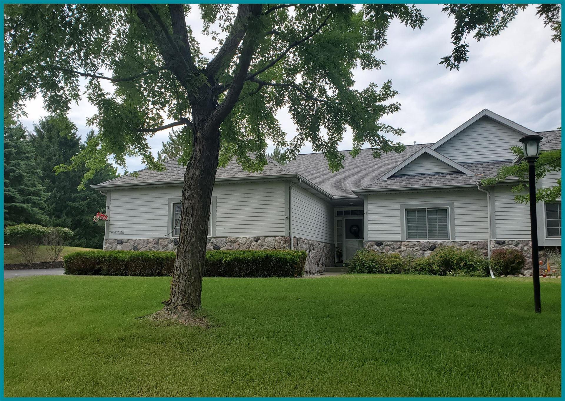 N49W15926 Lone Oak Ln, Menomonee Falls, WI 53051 - #: 1699693