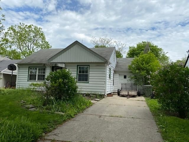 2940 S 53rd St, Milwaukee, WI 53219 - #: 1691698