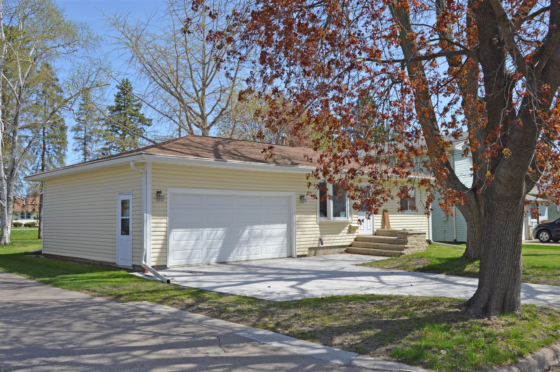 1622 9th St W, Winona, MN 55987 - MLS#: 1667700