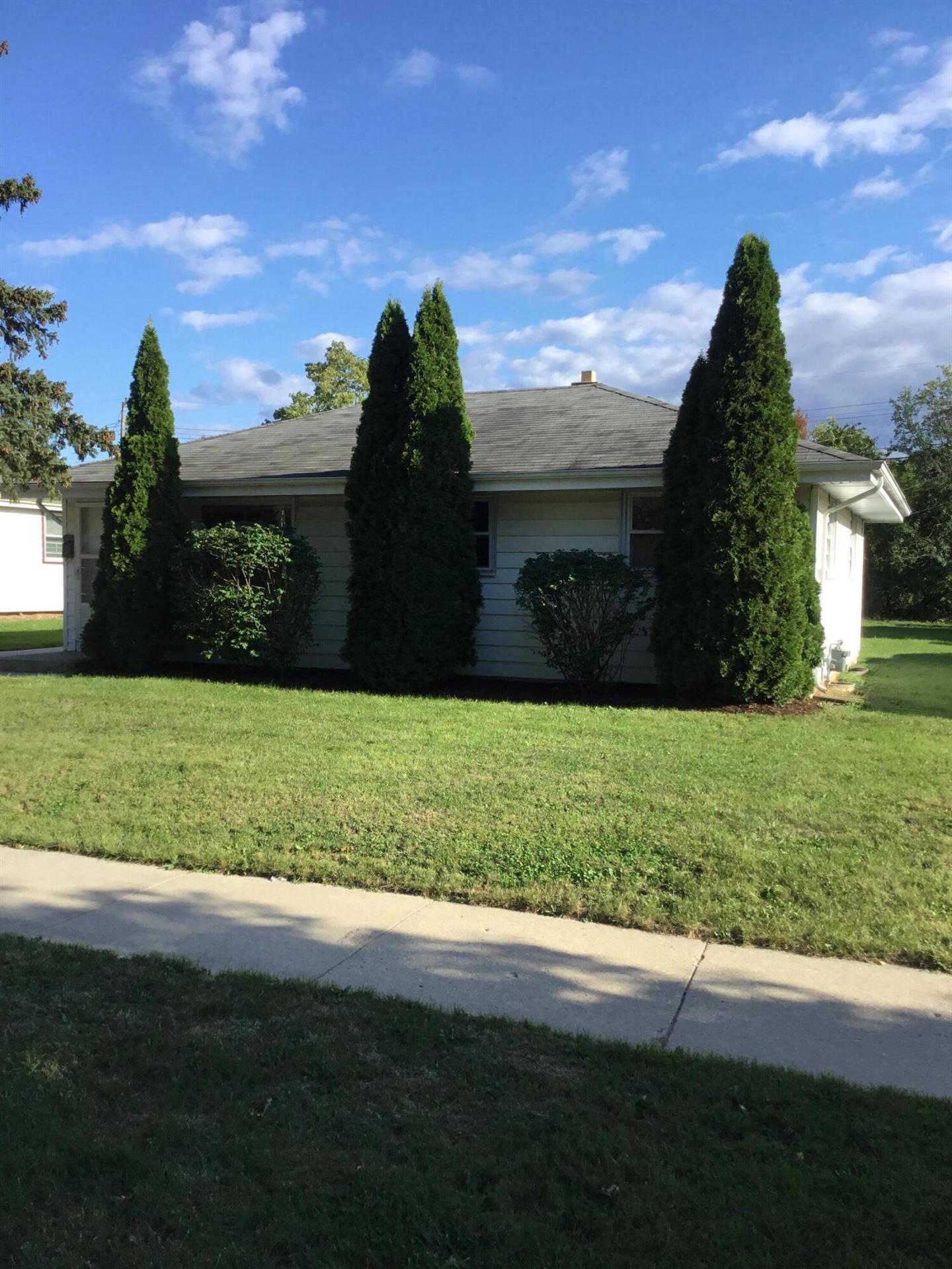 8213 W Green Tree Rd, Milwaukee, WI 53223 - #: 1763703