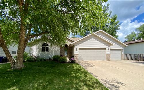 Photo of 1027 Westview Circle Dr, Onalaska, WI 54650 (MLS # 1698707)